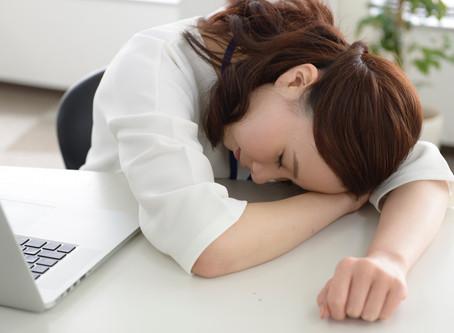 月経が少なくなり、周期が伸びる(希発月経)のって何が原因なの?