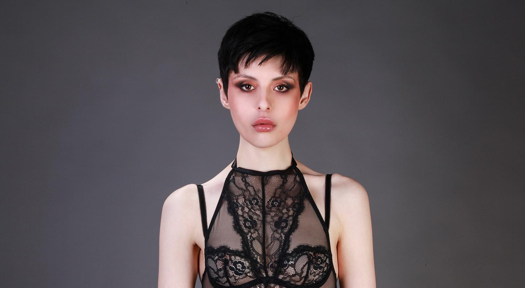 Antonia/Model/Wild Management