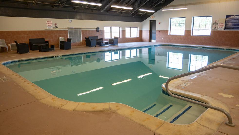FitnessCenter_SwimmingPool_1.jpg