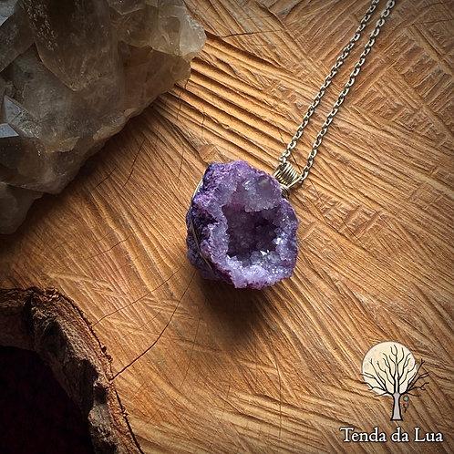 Amuleto com Geodo de Quartzo - Roxo