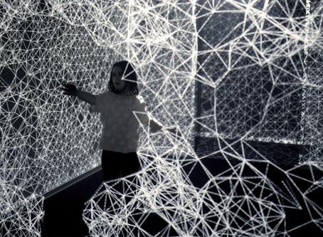 Иммерсивная выставка «XYZT: Путешествие в 4 измерениях».