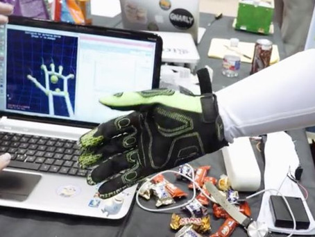 «Роботизированные» перчатки для соприкосновения с виртуальной реальностью