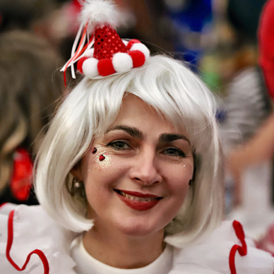 Karneval einzelne Dame 5.jpg