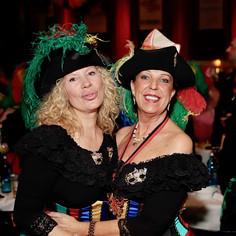 Karneval zwei Damen 1.jpg