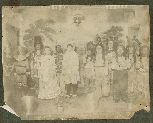 1900 Halloween Photo 2.jpeg