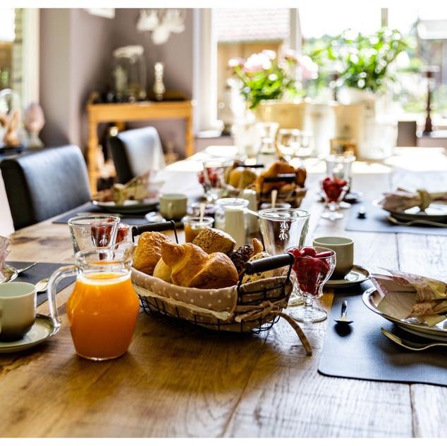zalig ontbijt bij Mia en Jos