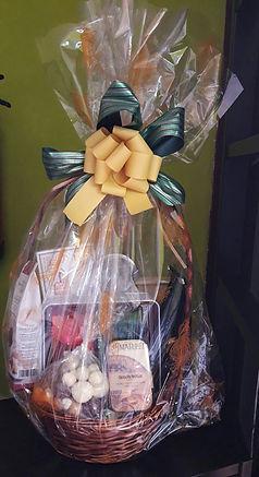 Cesta regalo con chocolates, cafes y tés - La Chocatería