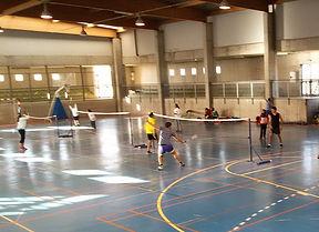 Interior del Pabellón IES Playa Honda donde se practica el badminton