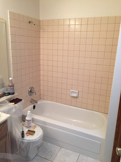 Tub and Tile Surround Before