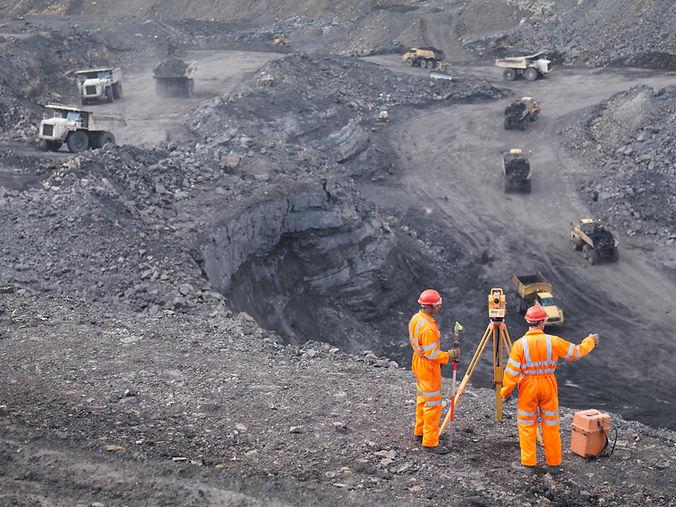 mineros que trabajan