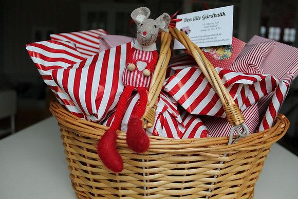 3. Pakker til firma; med lækkerier og julepynt