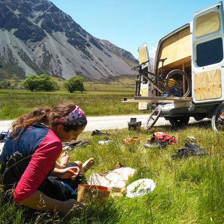 Bike road trip South Island  NZ high cou