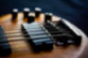 bajo eléctrico detalle de la guitarra