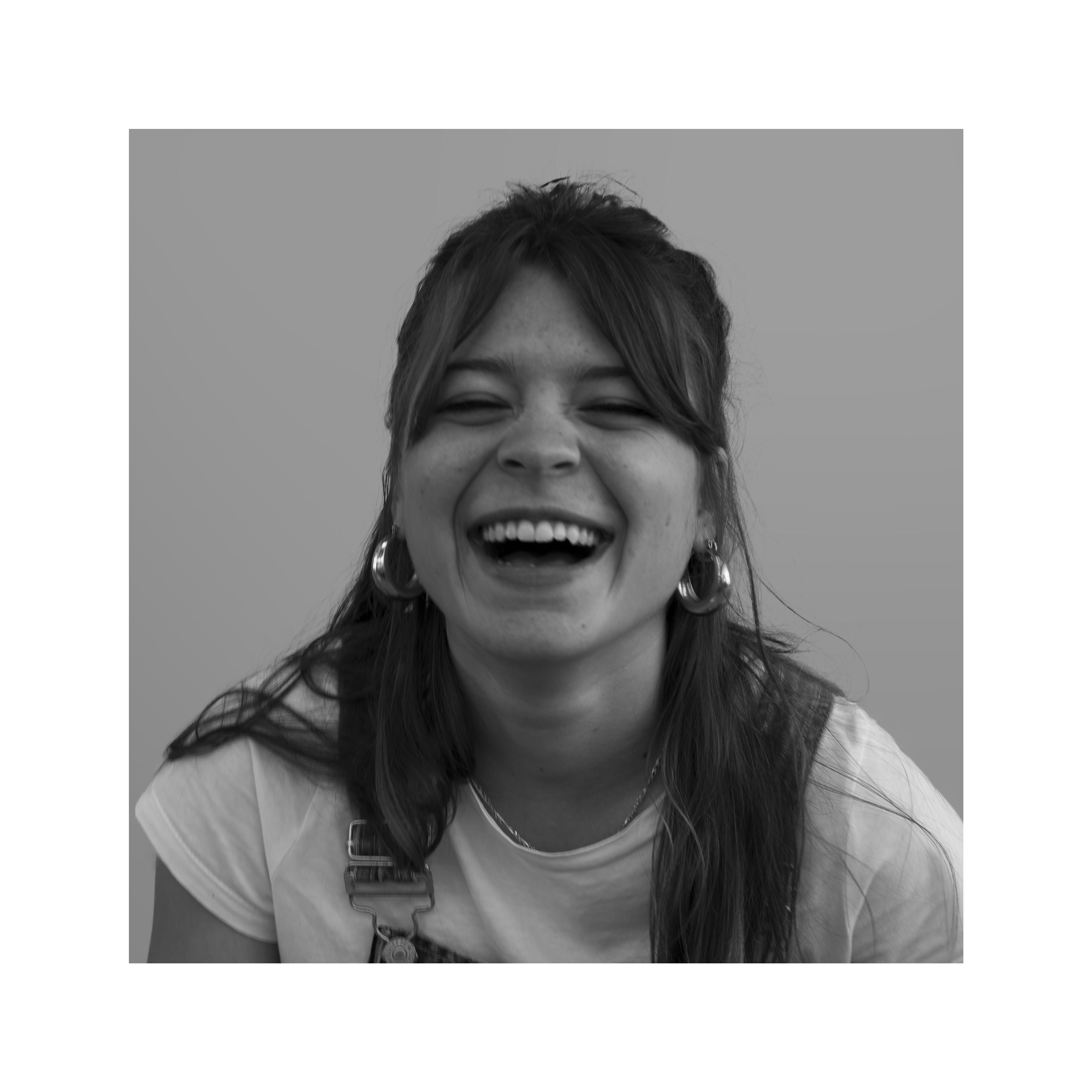 Paula ríe