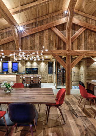 luxury_chalet_saphir_kitchen_diningroom_