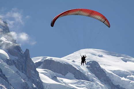 Parapente summer Chamonix.jpg