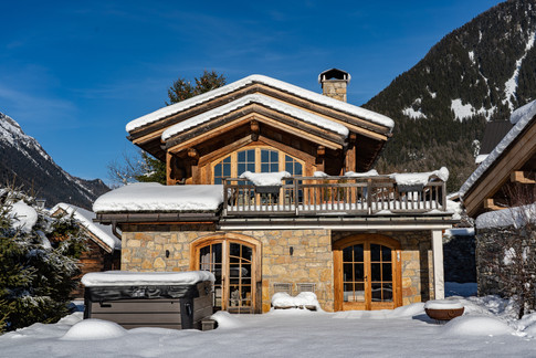 Nordic Lodge garden snow.jpg