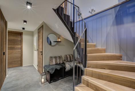 chalet-rytola-chamonix-hallway.jpg