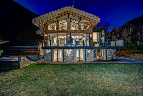 _AJP9001And8more2019-12-outdoor-chalet-s