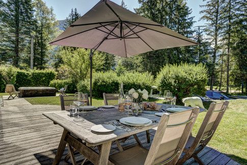 _ajp6114and8more2019-12-outdoor-chalet-sun.jpg