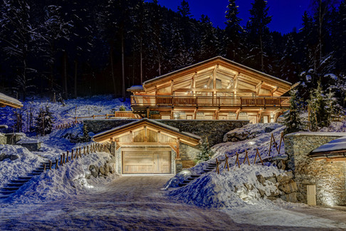 _AJP9656And8more2019-12-outdoor-chalet-s