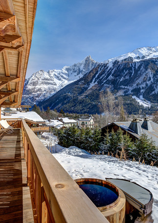 luxury_chalet_saphir_viewsdesdrus.jpeg