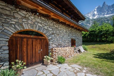 Ferme-du-Bois-entrance-des drus.jpg