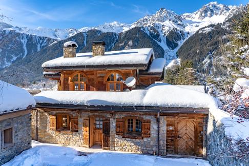 Nordic Lodge front snow.jpg