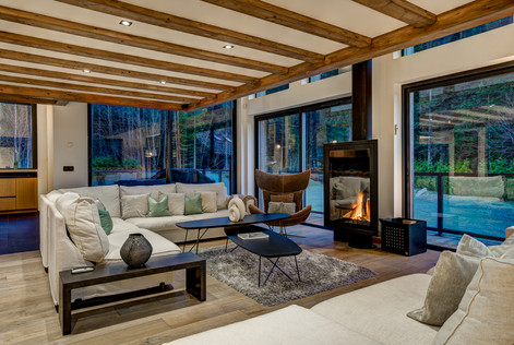 _AJP8839And8more2019-12-outdoor-chalet-s