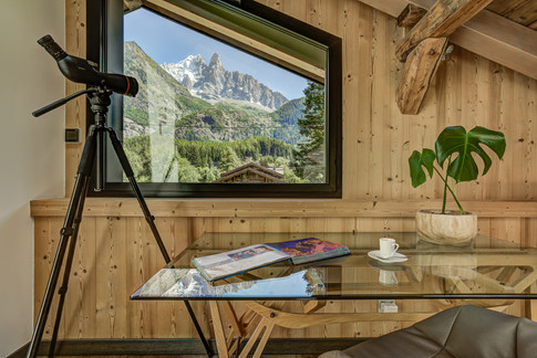 _ajp6726and8more2019-12-outdoor-chalet-sun.jpg