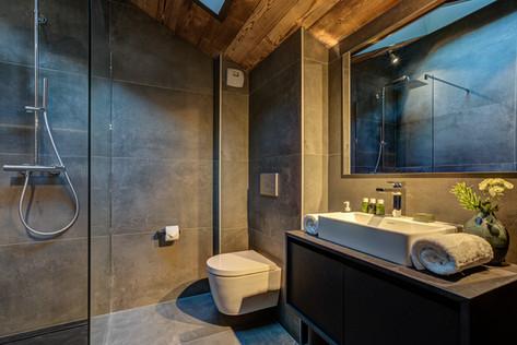 chalet-rytola-chamonix-bathroom1.jpg