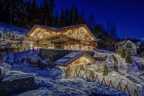 _AJP9638And8more2019-12-outdoor-chalet-s