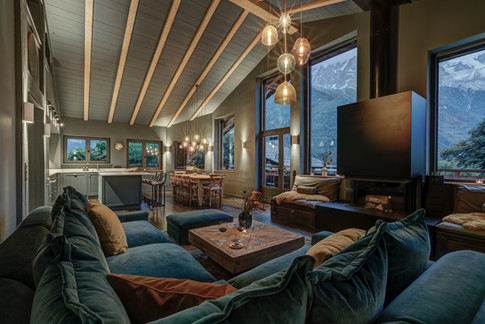 _ajp4188and8more2019-12-outdoor-chalet-sun20210729.jpg