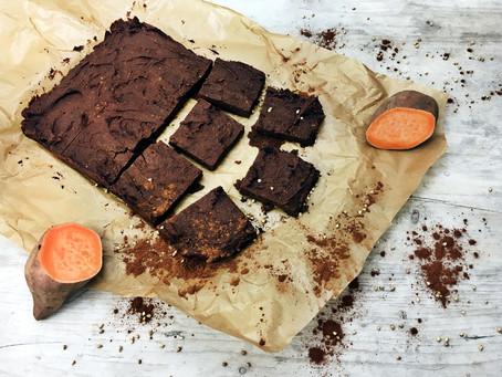 Für gesunde Naschkatzen: Vegane Süßkartoffel-Brownies!