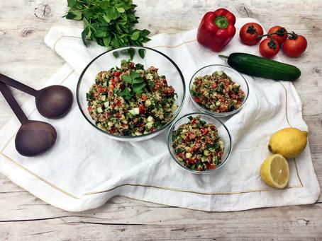 Quinoa Taboulé Salat mit Koriander und Minze!