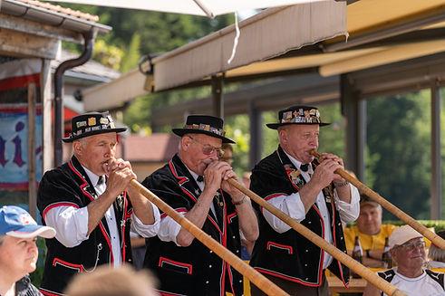 Alphorn, Tradition im Emmental, Schweizer Volksmusikzentrum.jpg