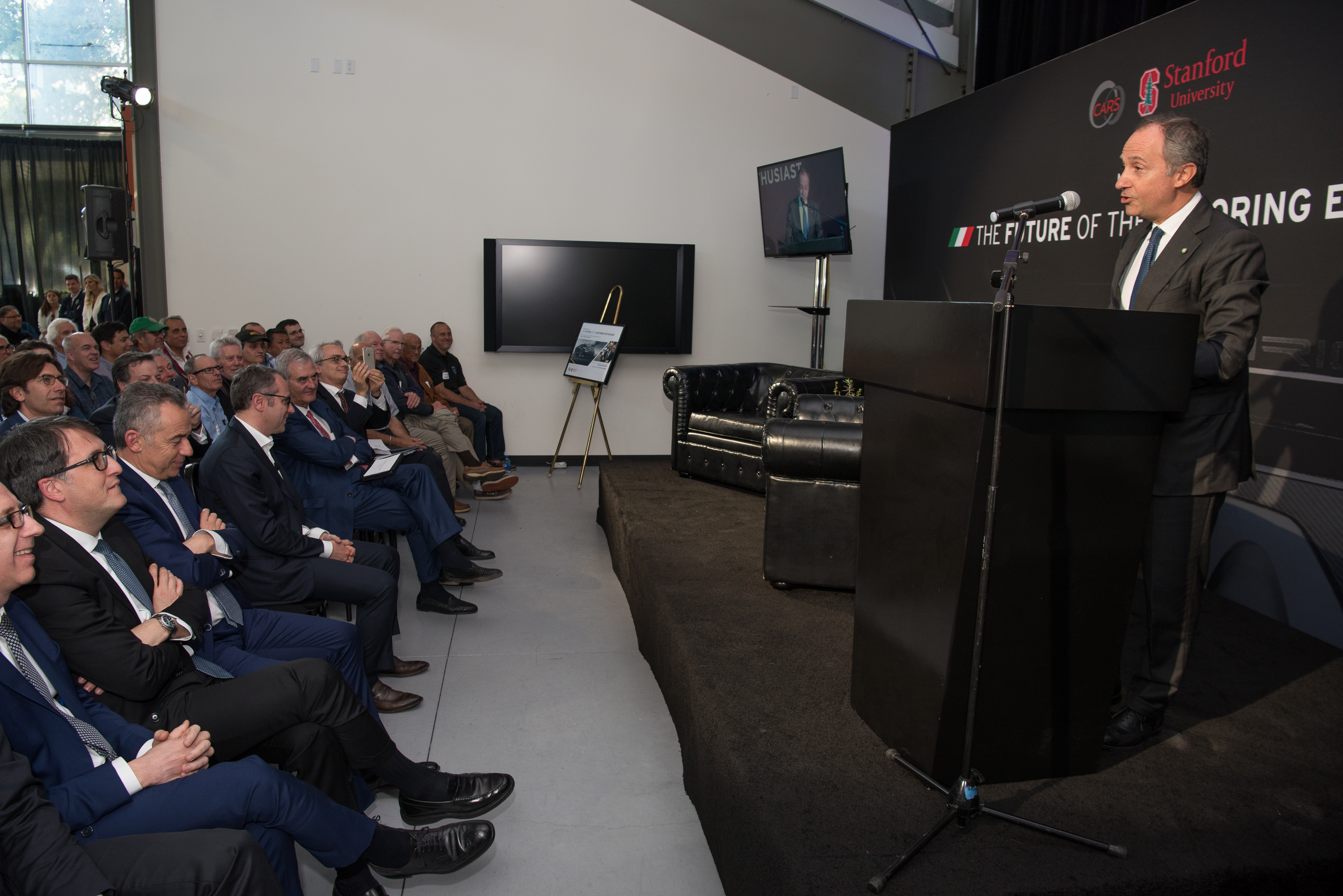 S.Domenicali Lamborghini Garage Talk 42_