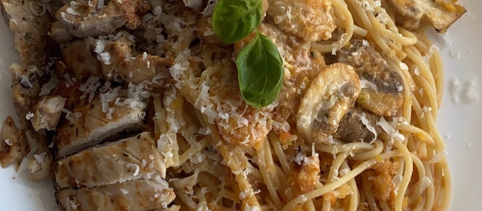 THE EASIEST Spicy Primavera Pasta (with chicken)