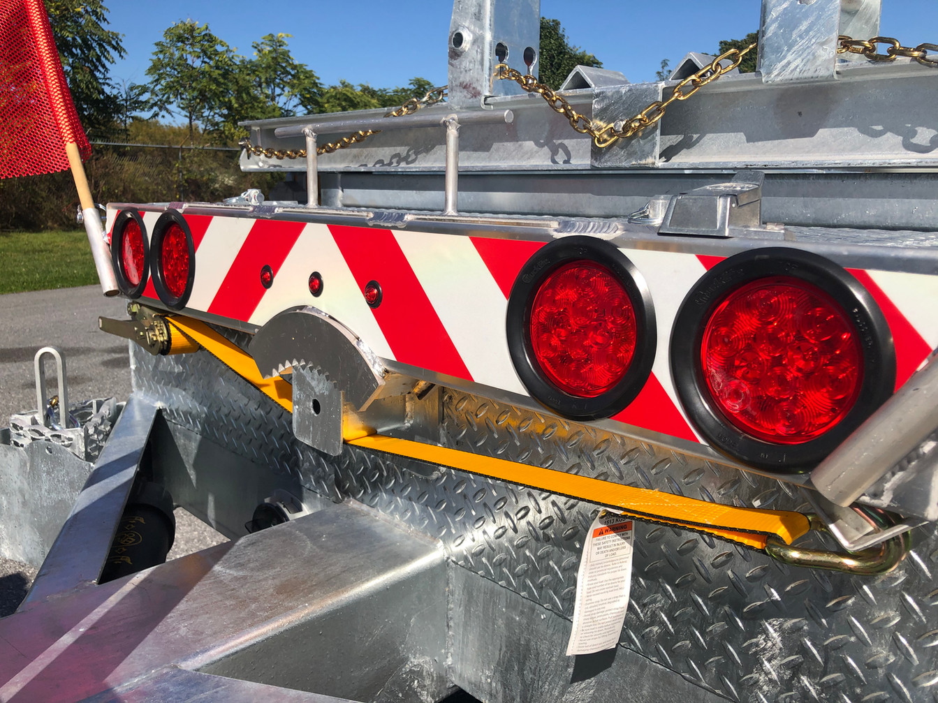 SAW-TOOTH SECURED ALL ALUMINUM LIGHT BAR