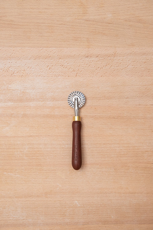 SNP fluted pasta wheel