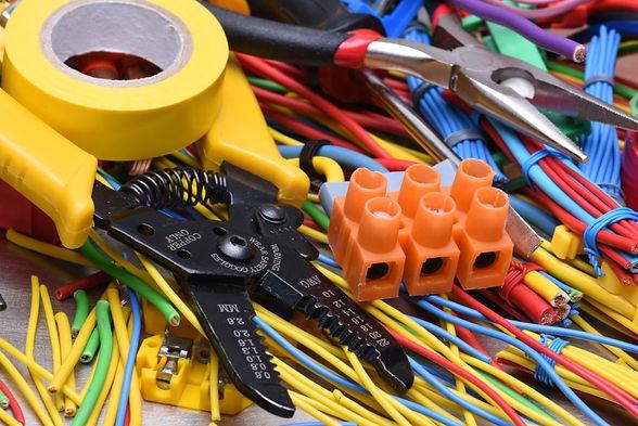electrician-1024x684.jpg