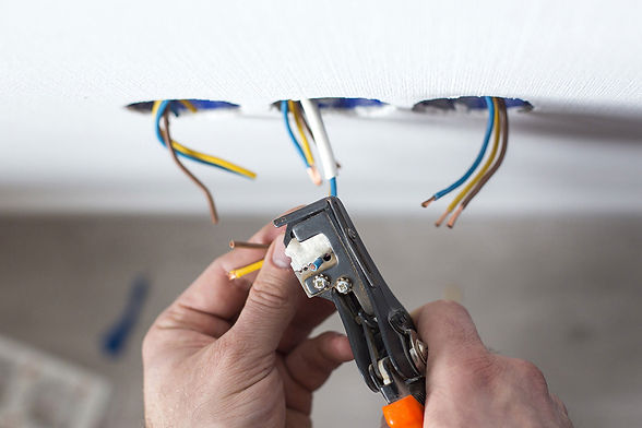 how-to-choose-a-home-electrician-2.jpg