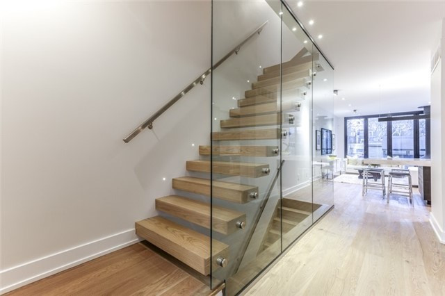 B And Q Glass Staircase