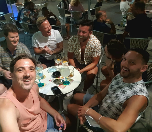 Gay Friends in the Nightlife