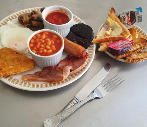 breakfast-at-mardi-gras-hotel.jpg