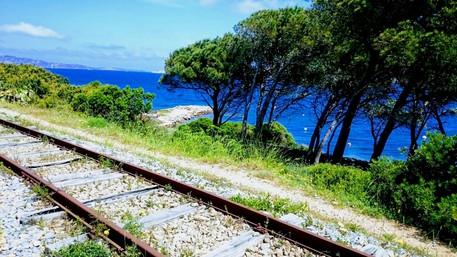 Il MiBACT impone la piena tutela della ferrovia di Palau Marina