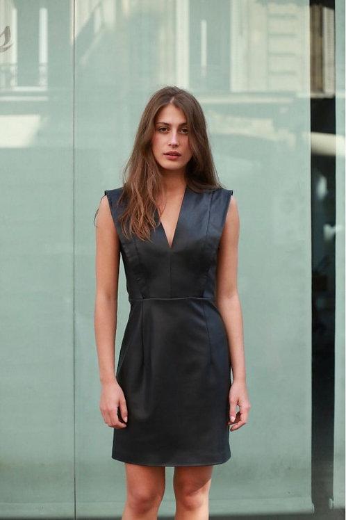 Kurzes Kleid aus Kunstleder
