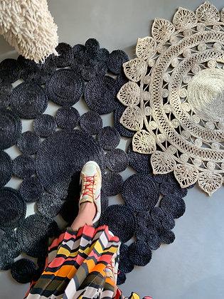 tapis XL black en fibre naturelle façonné à la main