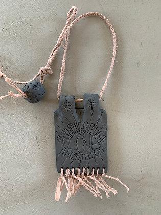 Médaillon LOVE FORMENTERA grigri bijou de mur