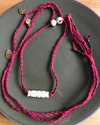 Sautoir SHANGRILA  perle sculptée